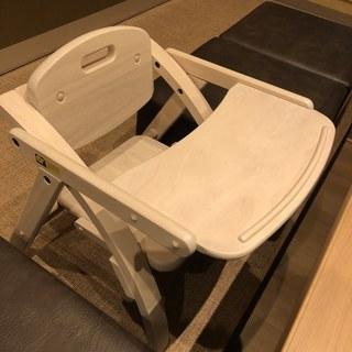 1~3歳のお子様には子供椅子も多数ご用意しています。