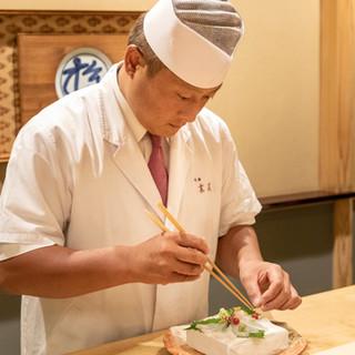 末友久史氏(スエトモヒサシ)─日本文化と歳時を繊細に表現