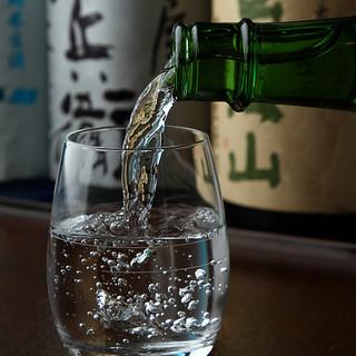 蕎麦に合う日本酒が20種類☆500円均一で飲み比べも◎