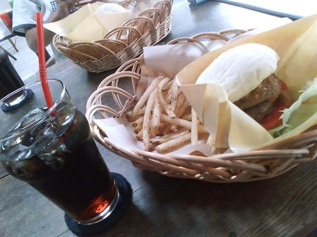 Hamburger Cafe UNICO