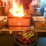 響 - 料理写真:妻地鶏ももの炭火焼き&料理風景