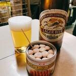 加島酒店 - キリンラガー大瓶とウインナーソーセージ缶    計710円