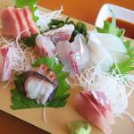 魚屋の磯料理 まるとし - お刺身