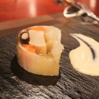 技術の粋を結集した創作料理は正に、究極の『ジャンルレス』。