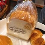121010435 - 山型食パン300円