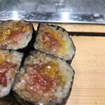 にぎにぎ一 - とろたく巻き1000円。きちんとしたトロの芯が巻かれて、脂、旨味たっぷりで、とても美味しかったです(╹◡╹)