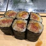 にぎにぎ一 - とろたく巻き1000円。中トロと沢庵のバランスが良く、とても美味しかったです(╹◡╹)