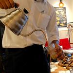 インド料理ムンバイ四谷店+The India Tea House - チャイを入れてくれる
