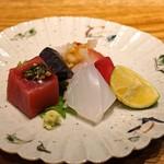 酒井商会 - 料理写真:お造り盛合せ  本鮪(韮醤油で)、あおりいか、真鯛(煎り酒で)