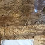 Bistro Roven - テーブルがオシャレ、水滴付きにくいのかな?