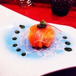 L'appartamento di NAOKI - 鱒 春菊のソース トマトエキスの透明なヴェール
