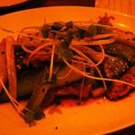 ウエダ - せせりと長ネギの山椒焼き(650円)。