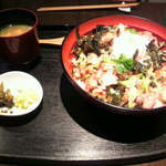 中屋 - 塩焼き鶏丼
