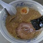 ぶーけ - 料理写真:背脂そば 醤油 ¥600