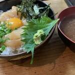 tanimachiichimizen - ・ホタテユッケ丼(¥900)
