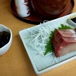 赤ひげ - ナス煮ウマー!ぶあついお刺身