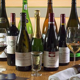 季節の美酒や世界各国のワインなど、様々な味わいのお酒をご用意