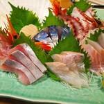 魚寅食堂 - お刺身盛りは、かなり新鮮