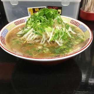 ドラゴンヌードル - 料理写真:一見ジロー系ですが、味は広島ラーメン