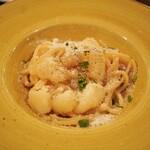 タランテッラ ダ ルイジ - 生ハムとサラミ、チェリートマト、ジャガイモ煮込みのスパゲティ 1,250円