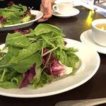 ヴィア ナポリ - 新鮮野菜はふんわりもりもり!カモミール選択!