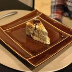 ユギーノ・ユーゴ - 焦がしレアチーズケーキ