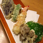 121077537 - 舞茸、大葉、海老、シシトウ、ナス、かぼちゃの天ぷら
