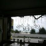 cafe JAM - 入口側の窓から 海が見えます★