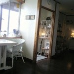 cafe JAM - わたしが座った席からみた入口付近