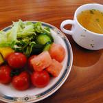 ポルテ - ランチのサラダ(サラダバーから)とスープ