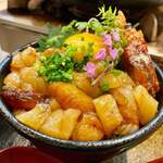 厚岸水産 かき小屋 - ホタテと赤海老のユッケ丼