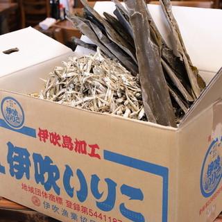 15年以上守り続けるおだしのベースは北海道産昆布と伊吹いりこ