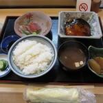 みひろ - 日替りランチ¥850 魚はさすがに美味い。