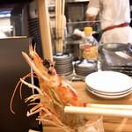 わすれな草 - 車海老の頭は塩焼きに♪       塩加減もベストで、カッパえびせんの数倍は美味いw