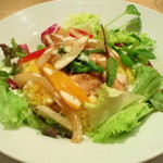 サンデーブランチ - ある日の日替わりランチ。ジンジャーチキンのロコモコ丼、セットで900円。