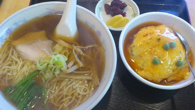 明華 - ラーメン&ミニ天津飯セット¥800