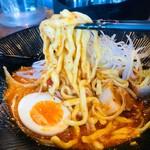 大塚屋 - ドロッとスープから麺リフト!