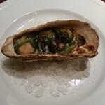 プチ ヴェルドー - ランチ 牡蠣の香草バター焼き