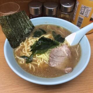 なかむら屋 - ラーメン中 750円