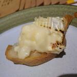 Yakitori & Tapas トリウオ - カマンベールチーズ