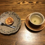 鹿教湯 三水館 - 料理写真:ウエルカムお菓子