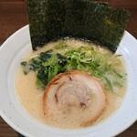 らーめん 琴壱家 - 料理写真:塩豚骨ラーメン