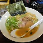 麺家 静 - 醤油豚骨ラーメン