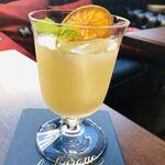 alcobareno - ・アペロールスプリッツ 白ワインのスパークリングと割ったオレンジリキュールが爽やか☆彡