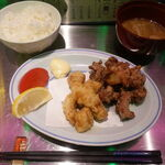 獣肉酒家 米とサーカス - うさぎワニW唐揚げ定食 1200円
