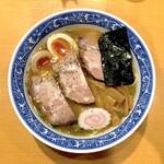 青葉 - 特製中華そば(930円)