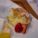リストランテ ソルジェンテ - 温かいりんごのトルタ(ランチデザート)
