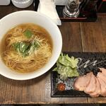 121180508 - 「チャーシュー湯麺」900円