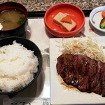 キッチン エルチョロ - 料理写真:ステーキランチ