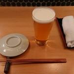 酒と肴 SUIGEI - 生ビールとテーブルセッティング